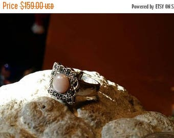 Holiday SALE 85 % OFF Mother Of Pearl Size 7  Ring Vintage  Gemstone. 925 Sterling Silver