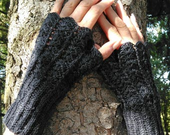 Fingerless gloves with thumb hand knitted wool