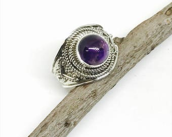 Amethyst ring set in sterling silver 925. Authentic genuine natural amethyst stone. Size -7, 8