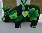 St Patrick's Day fabric pig, fabric pig, pig ornaments, novelty ornament, home decor pig, Irish pig