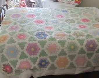 Very Spectacular Vintage Green and Multicolored Grandmothers Flower Garden Quilt 70X80""