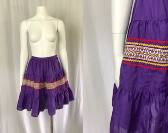 Xs ** 1950s PURPLE rickrack skirt ** vintage fifties embroideded skirt