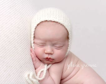 Newborn Bonnet, Newborn Hat, Newborn Photo Prop, Baby Bonnet, Newborn Photography Prop, Newborn Photo Session, Cream, Alpaca