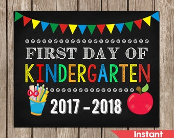 Declarative image in first day of kindergarten sign printable
