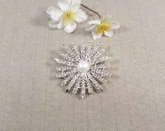 JUDY LEE! Beautiful Vintage Silver Tone Rhinestone Starburst Brooch Signed Judy Lee  DL# 4463