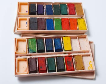 set of 2 boxes of vintage watercolor paints in plastic box