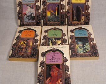 The Chronicles of Narnia 7  Book Set  by C. S. Lewis The Lion. the Horse. The Magician.Prince Caspian. The Voyage. Silver Chair. Last Battle