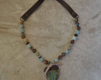 Boho leather necklace Gaea heart - DayLilyStudio