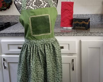 Robert Frost Apron, Road Less Traveled Apron, The Road Not Taken Apron, Book Nerd Apron, Green Apron, Nature Apron Book Nook, MarjorieMae