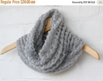 SALE Knit Scarf grau Mohair Chunky, gift for Mom Sister Wife knitted Tube Scarf Infinity, hood head scarf round neck warmer, gift ideas