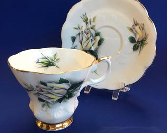 Royal Albert Sweetheart Roses Helen Bone China Tea Cup and Saucer England