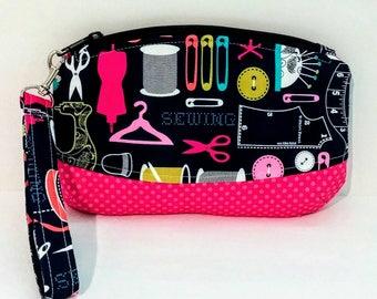 Clematis Clutch, Clematis Wristlet, Wristlet, Makeup Bag, Zipper Bag, Makers bag, toiletry bag, travel bag, carry all, sewing bag