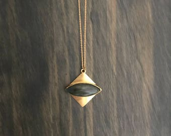 Third Eye Labradorite Necklace // Gold Labradorite Choker Necklace // Labradorite Gold Necklace