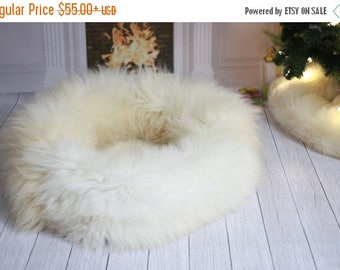 Sheepskin Cat bed , Cat cave , pet bed , cat house ,pet furniture hand made with Genuine Real Sheepskin XXL Extra Large
