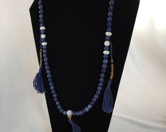 Vintage, Mala Style Beaded Necklace, Sodalite and White Agate Beads.