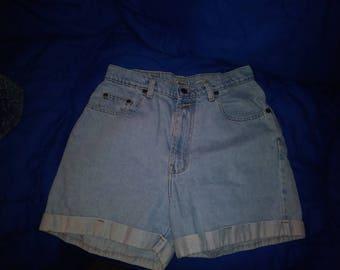 Bill Blass vintage high waist denim shorts 30 inch waist