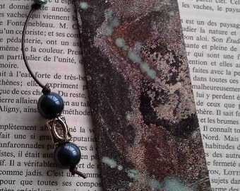 "Bookmark leather ""channelling"""