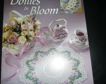 Leisure Arts Doilies In Bloom Thread Crochet Pattern Leaflet