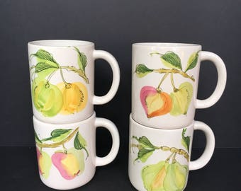 Vintage Williams-Sonoma Grand Cuisine Hand Painted Mugs Set of Four, pears, apples, peaches, Plums