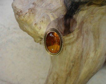 Vintage 8ct Yellow Gold Amber Ring