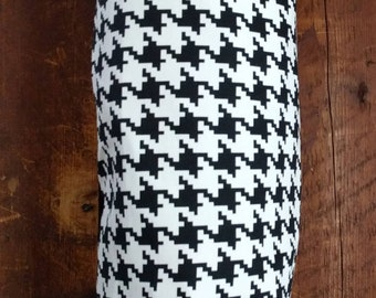 Pantry Organization Containers, Garage Organization, High Visibility Houndstooth Plastic Bag Rag Holder Dispenser, Black White Graphic Bold