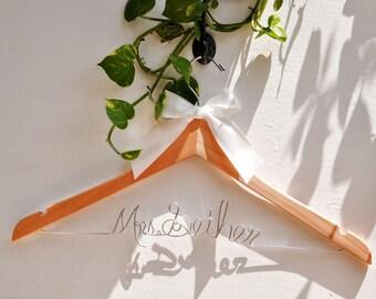Wedding Hanger,Wedding dress hanger, Bridal hanger,Mrs hanger, Bridal Shower Gift,Personalized Bride Hanger,Custom Wedding Hanger, Gift