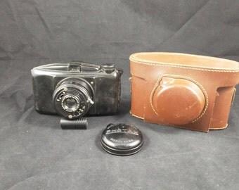 France camera, Photax, Photax camera, photography, Photo camera, antique photo camera, antique camera, Bakelite camera, Leather pouch