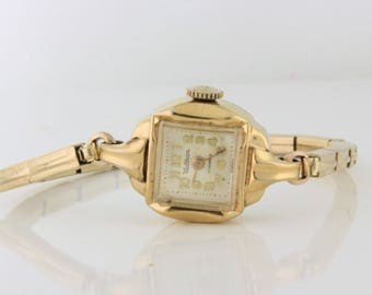 Classy Waltham Ladies Watch with stretch band. 17 Jewels 10k rgp Yellow Gold - WAT10074