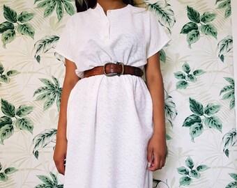 Stunning white summer dress - vintage dress size 10/12 UK