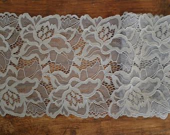 Stretch Lace - Silver Grey Floral