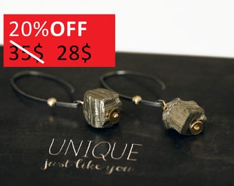 Pyrite Cube Earrings - Raw Stone Earrings - Oxidized Sterling Silver Earrings - Pyrite Jewelry - Handmade Jewelry by JuvelartoMano