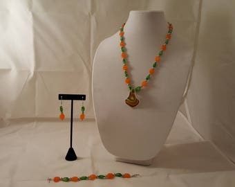 Orange Green White Pendant Necklace Set - Orange Necklace - Green Necklace - Orange Jewelry Set - Green Jewelry Set -Glass Pendant Necklace