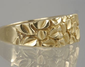Vintage Estate 14k Yellow Gold Nature-Inspired Designer Men's Engagement Band