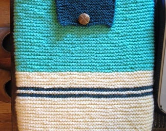 Knit Laptop Case with Button Clasp