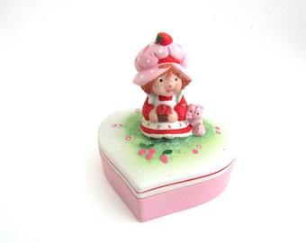 "Strawberry Shortcake Figurine Trinket Box ""Sweet Love"" Hand-painted Porcelain"