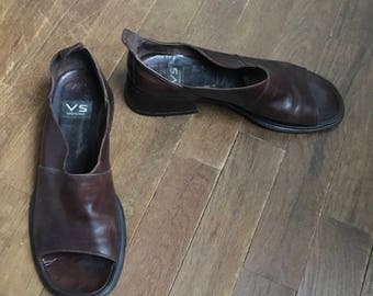 vintage 90s vs brown leather peep toe womens chunky heel shoes made in italy size 8 1/2B