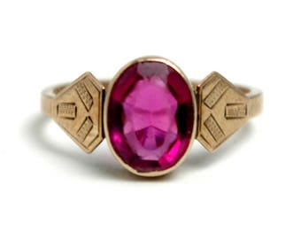 Vintage 1920s Art Deco Ruby Colored Glass and 8K Rose Gold Ring Etched Geometric Bezel Size 5.75