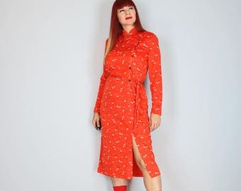 1960s Dress - Chinese Asian Cheongsam Dress - Red Floral - Long Sleeve - Belted Waist - Mandarin Collar - Gold Metallic Trim - Vintage - S/M