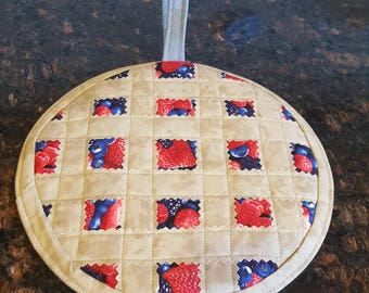 Free Shipping, Fruit Pie Quilted Pot Holder, Quilted Fabric Trivet, Quilted Trivet, Quilted Fruit Pie Pot Holder, Quilted Fruit Pie Trivet,
