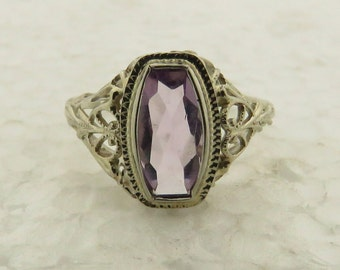 Vintage 1930's  14 kt White Gold Pierced Filigree Mounted Amethyst Ring / Size: 6.