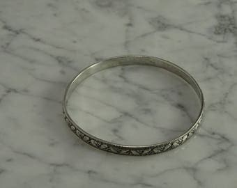 Sterling Silver bangle (a)