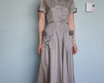 1940s 1950s black + white plaid shirt dress with pockets // xs or small