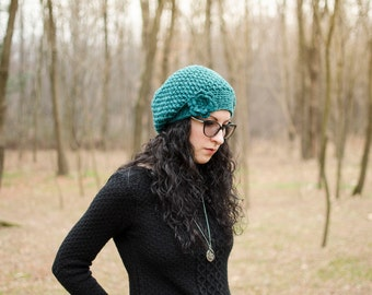 "Crocheted Basque hat-mod. ""Dafne""-emerald green"