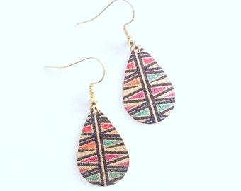 Glitter Gold Teardrop Ethnic Pattern Plate Earrings / Boucles d'Oreilles Dorées Scintillantes avec des imprimés ethniques / Party Earrings