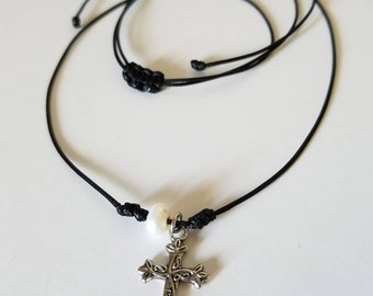 Adjustable cross necklace