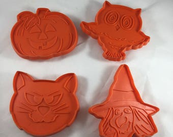 Imprint Halloween Cookie Cutters - Vintage Halloween - Halloween Baking - Plastic Pumpkin Cookie Cutter - Orange Cookie Cutter