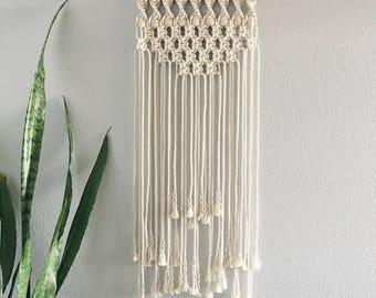Macrame Wall Hanging / Wall Hanging / Small Wall Hanging / Small Macrame Wall Hanging