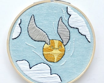 """Golden Snitch, Harry Potter Embroidery Hoop Art, 5"""""""