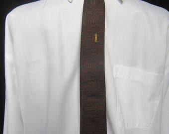 Vintage Skinny Tie in Silk by Damon, Damon Vintage Silk Tie, Vintage Damon Silk Tie in Deep Red and Black with Gold Embellishment, ca. 1950s
