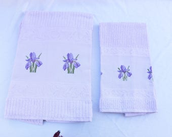 Towel + guest Iris embroidered Cross Stitch